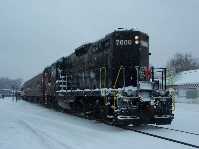 PRR 7000 at Tuckahoe, NJ on Dec 19, 2009. Photo by Thomas Duke.